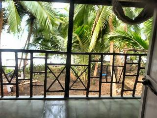 PUERTA al MAR RETREAT- serenity by the sea - Isla Bastimentos vacation rentals