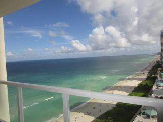 WOW! SUNNY LUXURY - OCEAN VIEWS - MODERN -SLEEPS 6 - Sunny Isles Beach vacation rentals