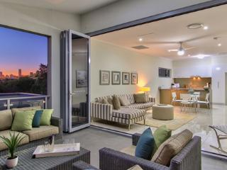 City Vista in Vibrant Central Hawthorne Bulimba - Brisbane vacation rentals