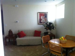 Brand New 1BR Apt - Ground Floor, Gated Parking! - Los Angeles vacation rentals