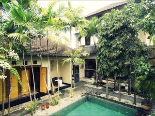 Villa Rumah Badung, great family accommodation - Denpasar vacation rentals