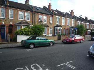 2 bed luxury apartment (d)  London - London vacation rentals