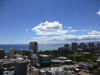 Waikiki 37F  2BR 2BA 1PK Ocn Vw Renovated Wifi - Oahu vacation rentals