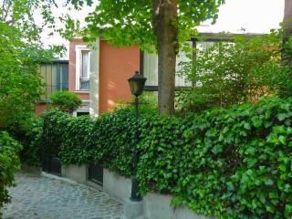 Montmartre Villa des Acacias - Paris vacation rentals