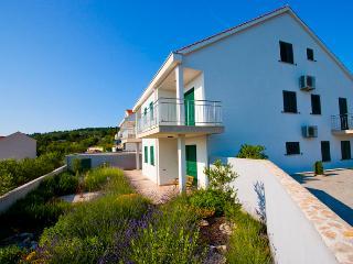 Apartment Naoimi - Cove Makarac (Milna) vacation rentals