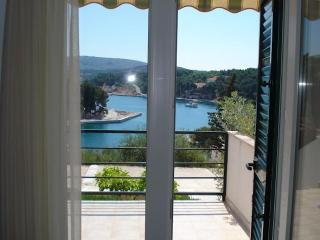 Seaside Village - Apartment Limun - Cove Osibova (Milna) vacation rentals
