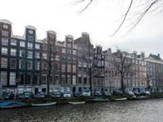 Canal apartment in historic centre of Amsterdam - Image 1 - Amsterdam - rentals
