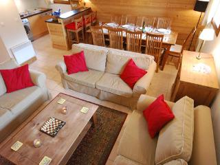 Spacious Duplex 4 Bedroom Apartment in French Alps with Magnificent  Views - Morillon vacation rentals