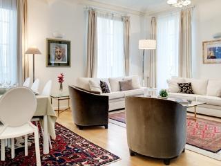 Apartment Petits Champs holiday vacation apartment rental france, paris, 2nd arrondissement, petits champs, large parisian apart - Saint Cyr sur mer vacation rentals