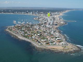 APARTMENT GORLERO CENTER, 10TH FLOOR OCEAN VIEW, QUIET, FURNISHED, PARKING - Uruguay vacation rentals