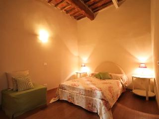 Apartment Rugiada in Lucca for rent for 6 person - Lucca vacation rentals