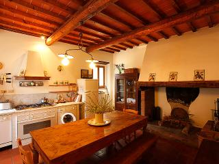 Cosy apartment in the Chianti area, with pool - San Casciano in Val di Pesa vacation rentals
