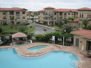 Luxurious apartment, 2 bed, 2 bath in Bella Piazza - Davenport vacation rentals