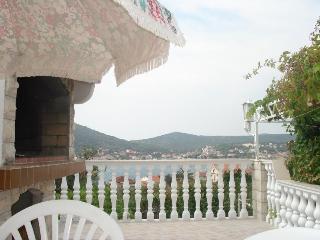 House Tatjana (6 People)- Vinišće Near Split - Vinisce vacation rentals