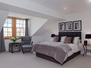 The Penthouse @ The Royal Mile - Edinburgh vacation rentals