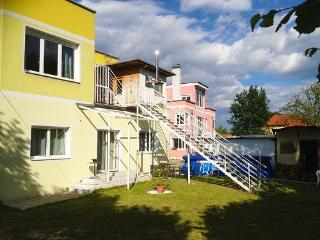 Vacation Apartment in Krumpendorf - 969 sqft, bright, central, comfortable (# 4323) - Carinthia vacation rentals