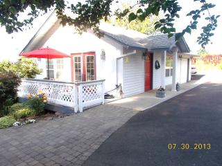 THE TRAVELERS RETREAT- PORTLAND AREA - Tualatin vacation rentals