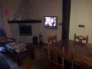 CASA RURAL EN TORDESILLAS - Santa Maria de la Vega vacation rentals