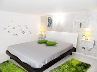 Casa Vacanza Giulia (CM 30) - Castellammare del Golfo vacation rentals