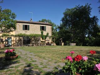 B&B Perugia immerso nel verde della campagna - Perugia vacation rentals