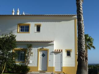 Parque da Floresta Golf Village Townhouse, Budens - Budens vacation rentals