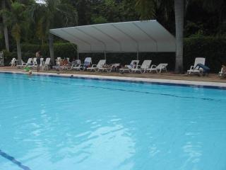 APARTAMENTO AMOBLADO GIRARDOT RESORT - Antioquia Department vacation rentals