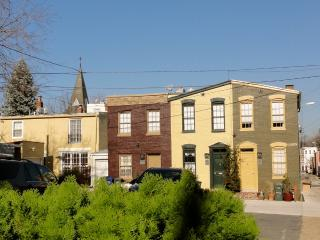 Carriage House - 3 blocks to Capitol - Washington DC vacation rentals
