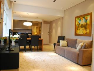 Beautiful 3 Bedroom Apart In Best Downtown/batel - Curitiba vacation rentals