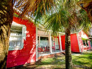 Large fun family beach house, 18P, ISLAND COTTAGE - Tybee Island vacation rentals