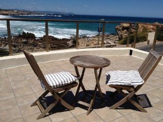 Easy seaside living in beach villa: Onrus - Stellenbosch vacation rentals