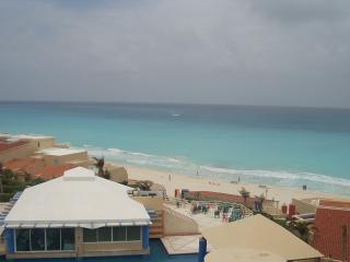 2 bedroom condo - Cancun vacation rentals
