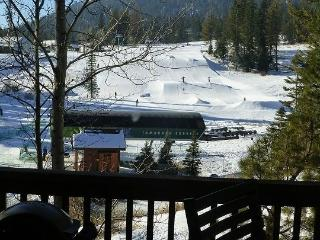 Goldenbar 39 One Bedroom, Two Bath Townhome sleeps 4. WIFI. Pet Friendly. Ski-in/Out - Southwestern Idaho vacation rentals