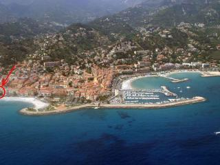 1 Bedroom Apartment in a Beachfront Building, Downtown Menton, Provence - Menton vacation rentals