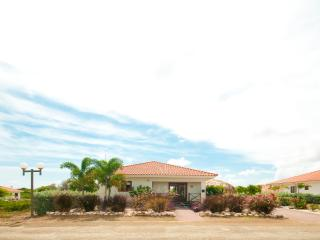 Villa Gogorobi - Luxury 6 persons villa with private pool and garden on Curaçao - Curacao vacation rentals