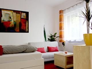 Vacation Apartment in Erlangen - 258 sqft, modern, central, cozy (# 4353) - Nuremberg vacation rentals