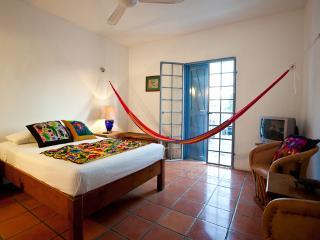 Alba Upstairs Fan room - Tamarindo B&B Alba upstairs fan room - Cozumel - rentals