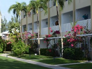 Cool Condo - #07 Harbour Heights 7MB - Cayman Islands vacation rentals