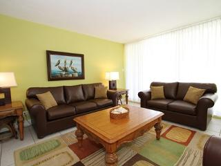 Bchfrnt Beauty Sleeps 6 - #27 Harbour Heights 7MB - Seven Mile Beach vacation rentals