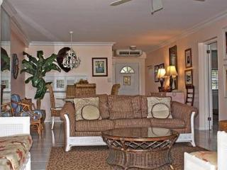 Comfort & Style Grndfl - #33 Harbour Heights 7MB - Cayman Islands vacation rentals