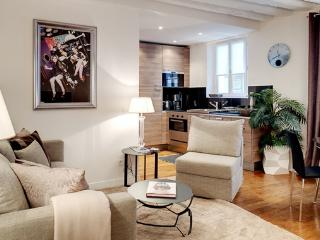 Apartment Gravilliers holiday vacation apartment rental france, paris, 3rd arrondissement, le marais district neighborhood, parisian apartment - 3rd Arrondissement Temple vacation rentals