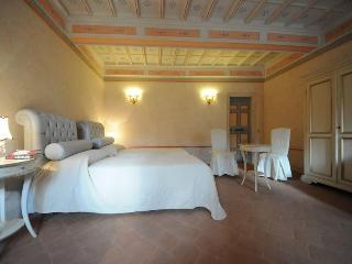 Beautiful Palazzo,close to Norcia,Umbria sleeps 12 - Umbria vacation rentals