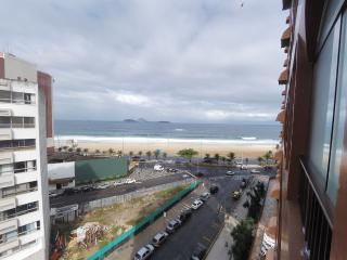 Spacious Three Bedroom Ipanema Beachfront Apartment with Ocean Views and Swimming Pool - #580 - Rio de Janeiro vacation rentals