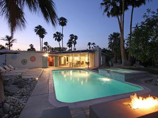 Via Jacques--All New With A Wink to 1959 - Palm Springs vacation rentals