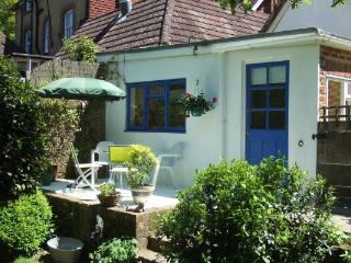 Overglen Court - A beautiful double bedroom garden annex near Petersfield - Farnham vacation rentals