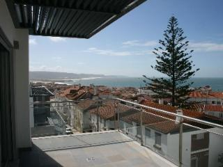 471750 - 3 bedroom apartment - Swimming pool and amazing views of the coastline - Sleeps 6 - Nazare - Marinha Grande vacation rentals