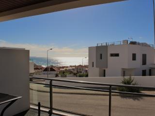 1051682 - Luxury apartment,with Sea Views, Near Top Surfing Beach, Sleeps 6 - Areia Branca - Costa de Lisboa vacation rentals