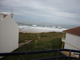 1104944 - 1 bedroom apartment - Home of the RIP Curl World Surfing Championships - Sleeps 4 - Baleal, Peniche - Baleal vacation rentals