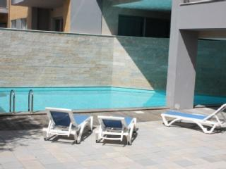 1104942 - 3 bedroom apartment - Very close to beach with good size balcony and WiFi access - Sleeps 6 - Sao Martinho do Porto - Sao Martinho do Porto vacation rentals