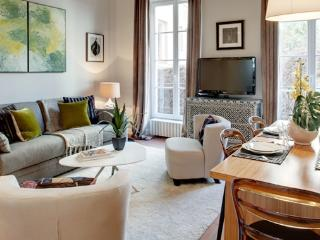 Apartment Haudriettes holiday vacation apartment rental france, paris, 3rd arrondissement, the marais district neighborhood, parisian apartmen - 3rd Arrondissement Temple vacation rentals