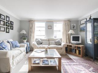 Hamilton Mews 2 Bedroom Oasis of Calm in London - London vacation rentals
